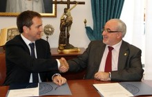 IMED and UCAM sign agreement